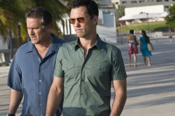 BURN NOTICE - Jeffrey Donovan and Bruce Campbell