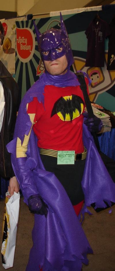 WonderCon 2010 - Confused Hero