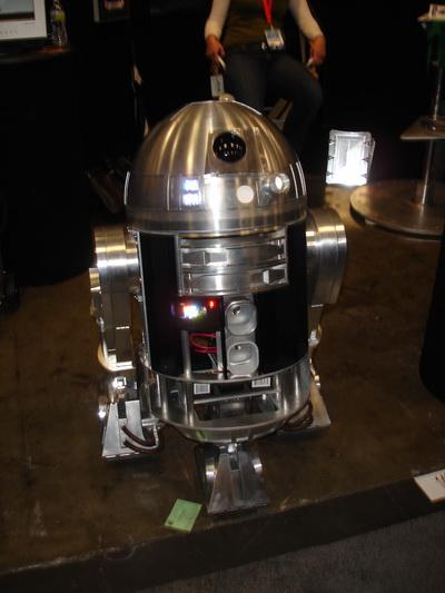 WonderCon 2010 - Home made R2D2