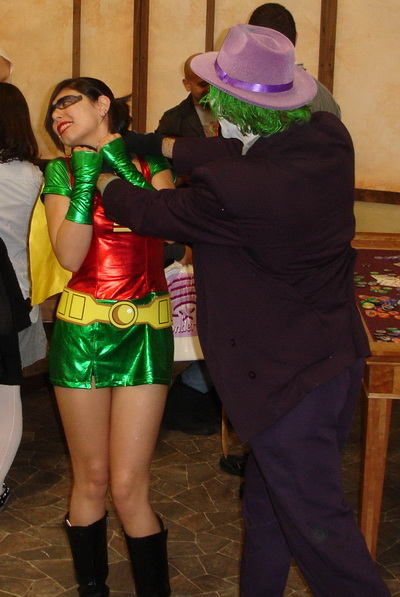 WonderCon 2010 - The Joker gets Robin yet again