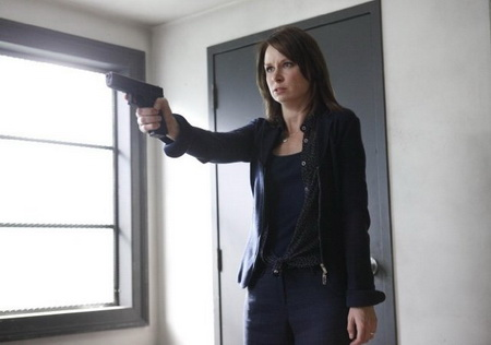 Mary Lynn Rajskub in 24 - about to shoot Jack