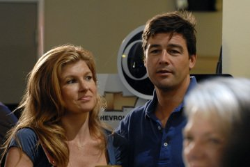 Kyle Chandler and Connie Britton in FRIDAY NIGHT LIGHTS