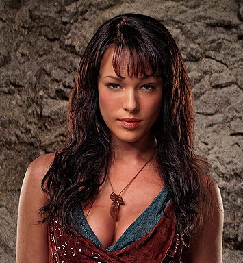 Erin Cummings as Sura in Spartacus Blood and Sand on Starz