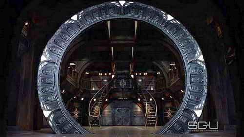Stargate Universe - the Stargate on Destiny