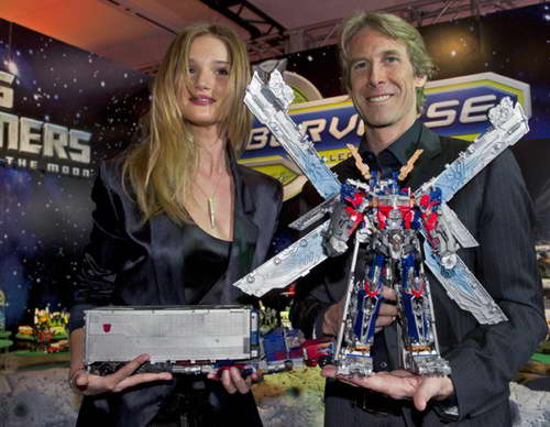 Rosie Huntington-Whiteley and Director Michael Bay Visit the Hasbro Toy Fair 01
