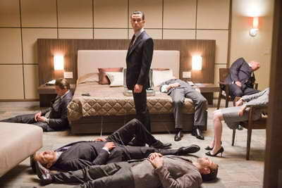 Production still of Leonardo DiCaprio, Tom Berenger, Joseph Gordon-Levitt, Cillian Murphy and Ellen Page in 'Inception'