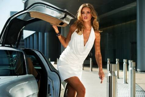 Rosie Huntington-Whiteley in 'Transformers Dark of the Moon'