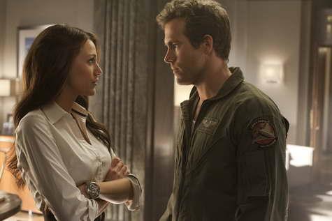 BLAKE LIVELY as Carol Ferris and RYAN REYNOLDS as Hal Jordan in GREEN LANTERN
