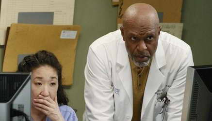Sandra Oh and James Pickens Jr. in 'Grey's Anatomy'