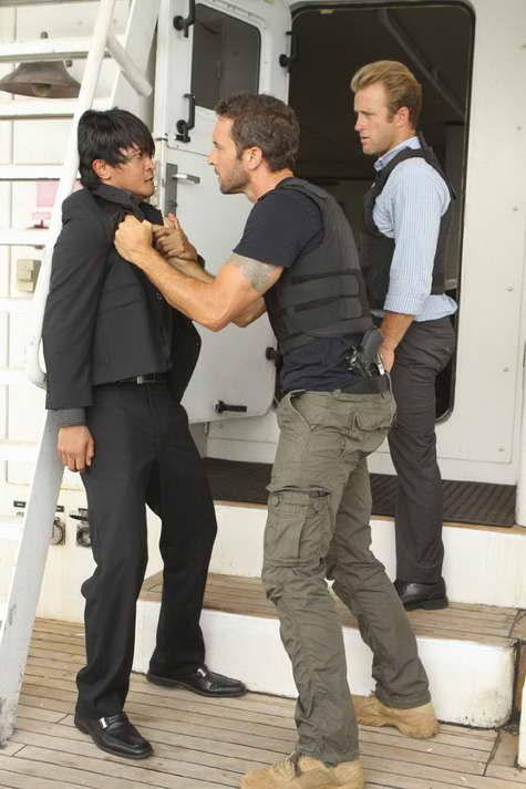 Scott Caan and Alex O'Loughlin in 'Hawaii Five-0'