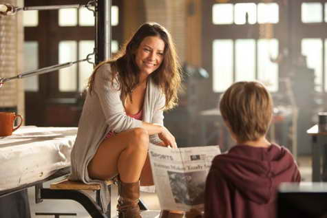 Evangeline Lilly and Dakota Goyo in 'Real Steel'