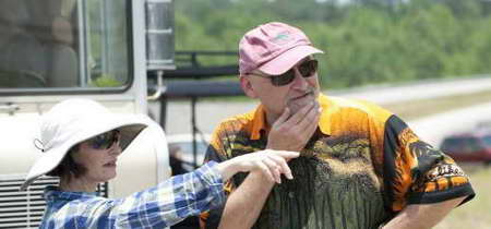 Frank Darabont and Gale Anne Hurd on the set of THE WALKING DEAD