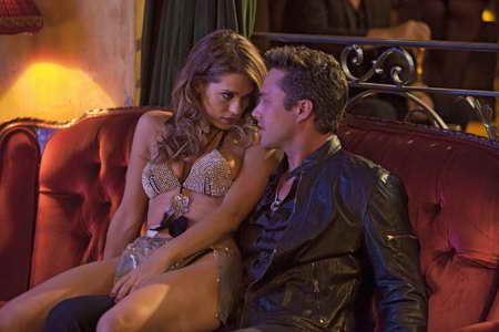 Lyndsy Fonseca and Taylor Kinney in FIVE