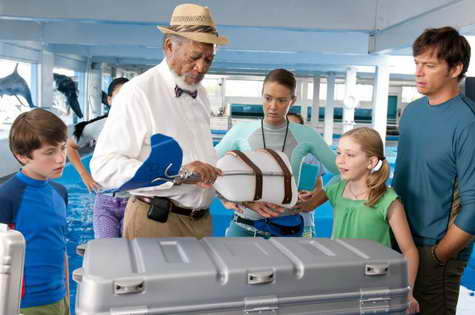 Morgan Freeman, Harry Connick Jr., Nathan Gamble, Austin Highsmith and Cozi Zuehlsdorff in 'Dolphin Tale'