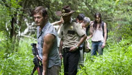 Norman Reedus, Andrew Lincoln, Melissa Suzanne McBride, Sarah Wayne Callies and Steven Yeun in THE WALKING DEAD