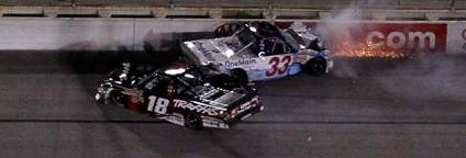 Kyle Busch wrecks Ron Hornaday Jr