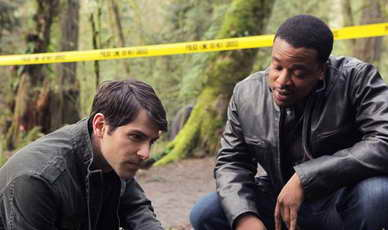 Russell Hornsby and David Giuntoli in Grimm