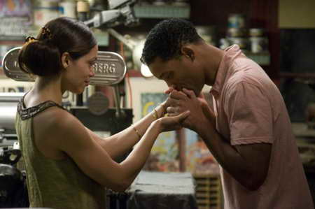 Photo of Will Smith and Rosario Dawson in Seven Pounds
