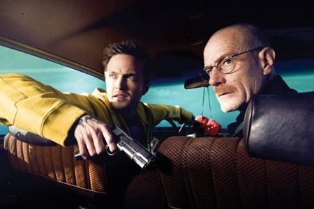 Still of Bryan Cranston and Aaron Paul in Breaking Bad
