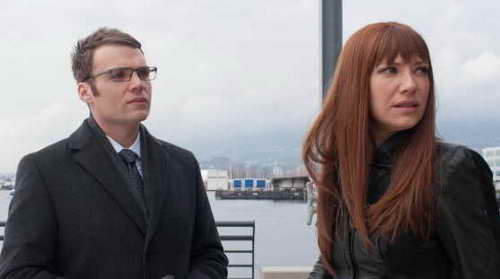Seth Gabel and Anna Torv in 'Fringe'