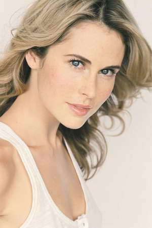 Anna Hutchison cast in Spartacus