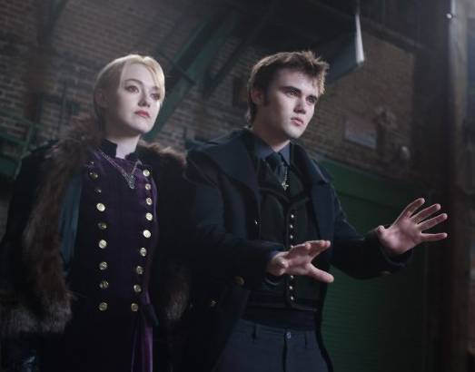 Dakota Fanning and Cameron Bright in 'The Twilight Saga Breaking Dawn' - Part 2