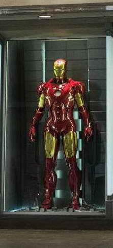 IRON MAN 3 Hall of Armor