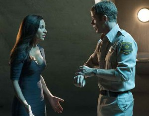 Pictured: (l-r) Salli Richardson-Whitfield and Colin Ferguson