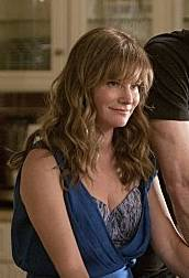 Jennifer Jason Leigh in Weeds