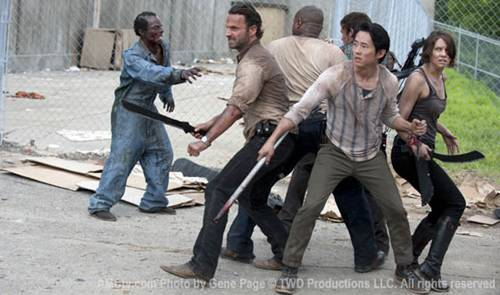 """The Walking Dead""-S3-Survivors-Walker-Prison-560"