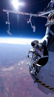 Felix Baumgartner & the Red Bull Stratos jump 225
