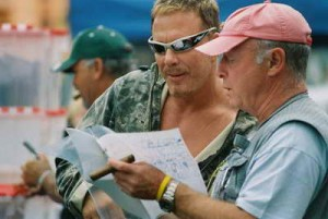 Tony Scott passes away - image with Mickey Rourke on the set of 'Domino'