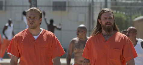 Charlie Hunnam and Ryan Hurst in Sons of Anarchy ep recap of Laying Pipe