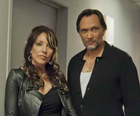 Jimmy Smits and Katey Sagal in Sons of Anarchy season 5
