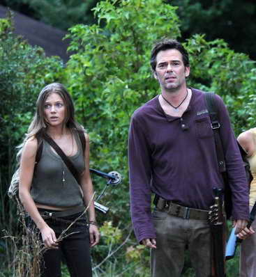 Billy Burke, Tracy Spiridakos in Revolution
