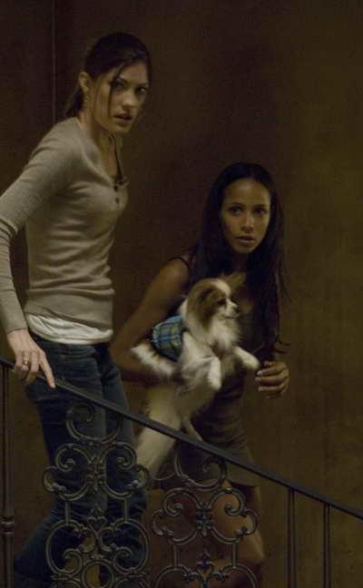 Dania Ramirez and Jennifer Carpenter in Quarantine movie