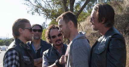 Jimmy Smits, Kim Coates, Charlie Hunnam and Joel McHale in Sons of Anarchy - Toad's Wild Ride