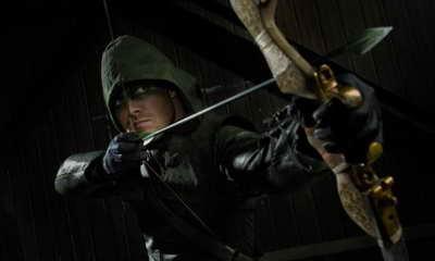 Stephen Amell in Arrow season premiere