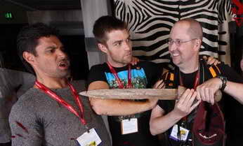 Bruce with Manu Bennett and Liam McIntyre of Spartacus