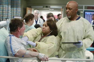 James Pickens Jr. and Chandra Wilson in Grey's Anatomy