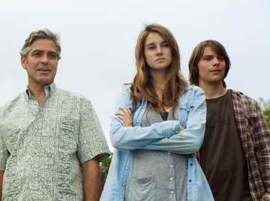 Still of Shailene Woodley with George Clooney and Nick Krause from The Descendants