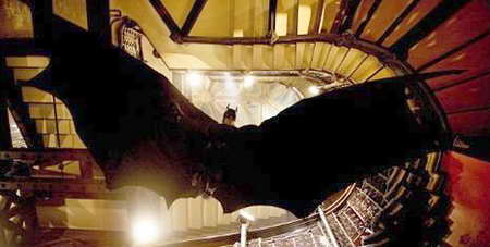promo 'Batman Begins' in ABC Family - batman pouncing