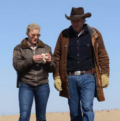 Katee Sackhoff and Robert Taylor in Longmire