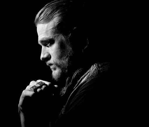 Charlie Hunnam from Sons of Anarchy, review of season six