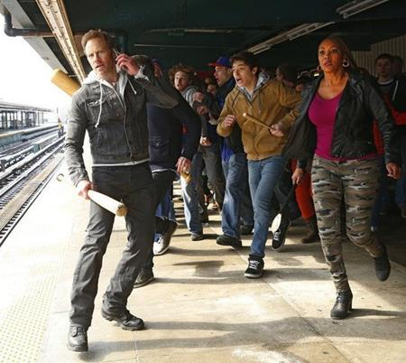 Vivica A. Fox, Ian Ziering and Dante Palminteri in Sharknado 2