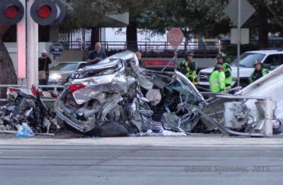 Caltrain Hits Car in Menlo Park by B Simmons-DSC09912, passengers left stranded for hours